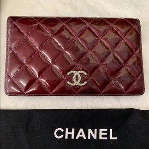 CHANEL PATENT LEATHER WALLET EUC